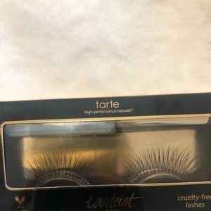 Tarte high performance natural lashes with glue!